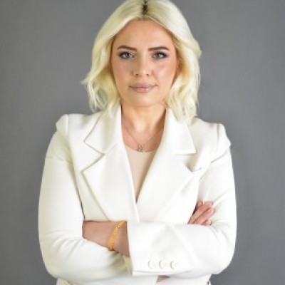 Profile picture of Lola Cerku
